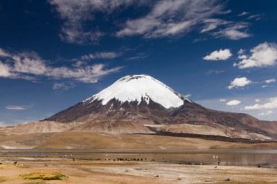 Lago Chungara mit Vulkan Parinacota -38864-Chile_ Margenburg.jpg