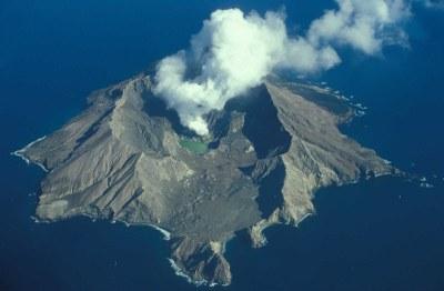 Neuseeland Nordseeinsel Blick auf White Island